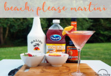 Beach, Please Martini from Mom Envy. Try this super easy cocktail recipe perfect for summer. Summer cocktail. Easy cocktail. Simple cocktail. Fruity cocktail. Fruity Martini. Summer martini. Easy Martini. Summer drink. Easy drink. Malibu Rum. Peach Schnapps.