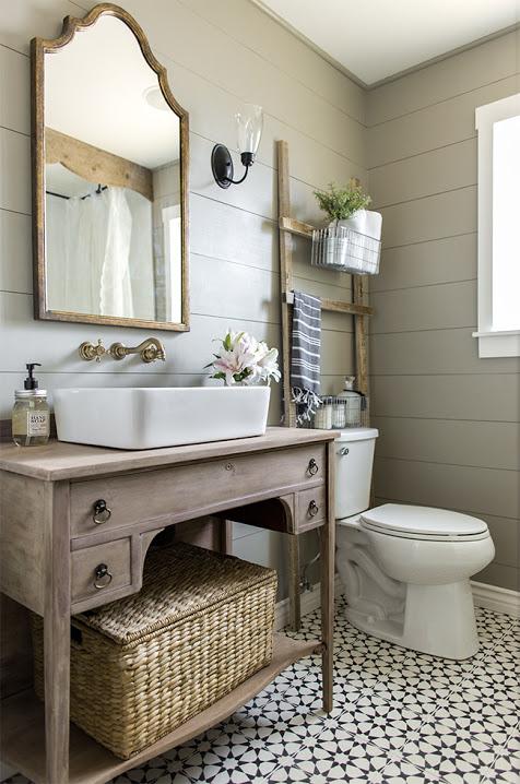 DIY Bathroom Remodel Inspiration photo. Beautiful farmhouse bathroom ideas. #farmhouse #farmhousebathroom